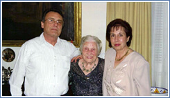 Roland with his mother Elisabeth and wife Doreen.